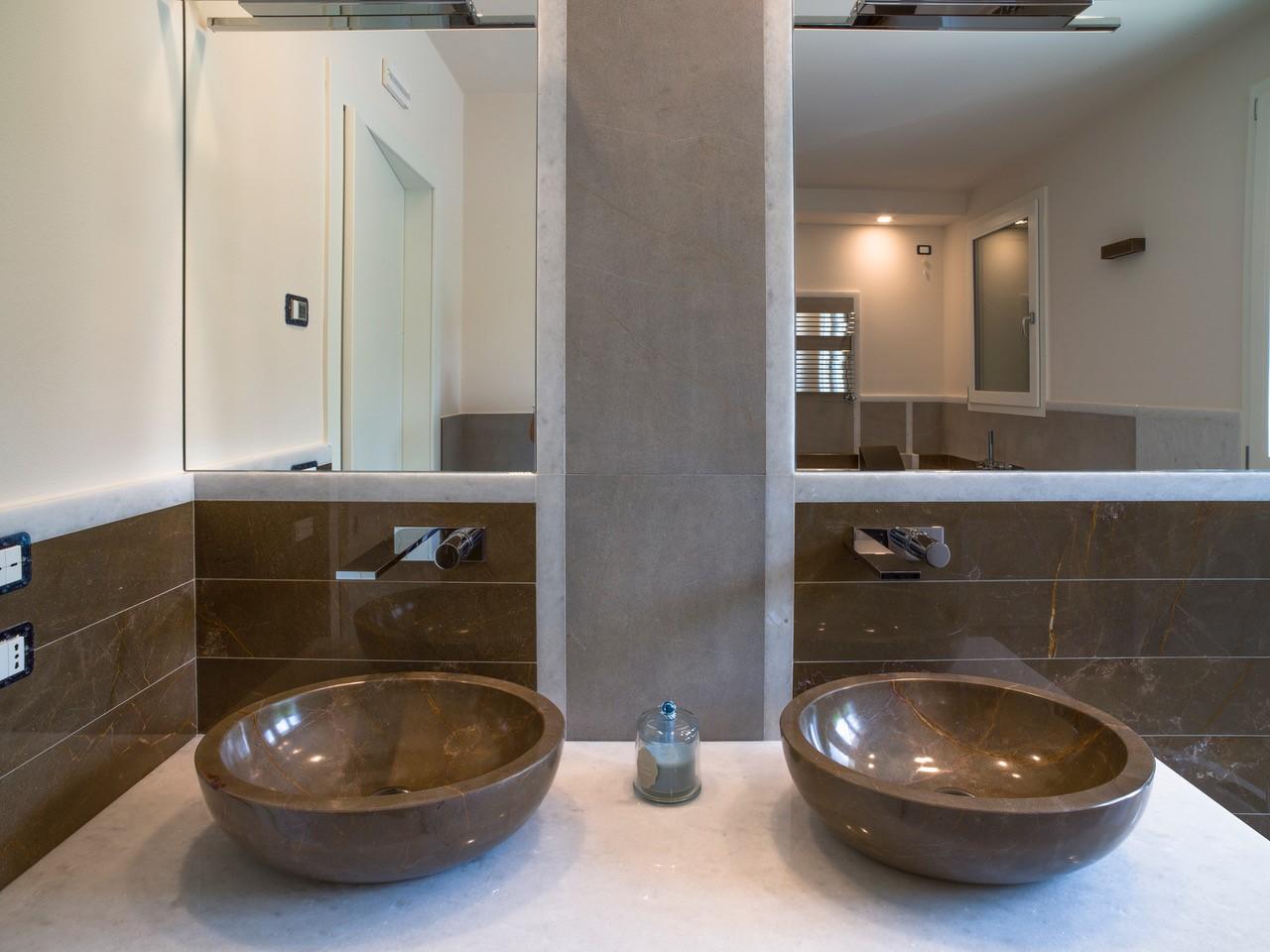 Vasca Da Bagno Marmo Prezzi : Bagno pavimenti e rivestimenti in marmo granito e pietra