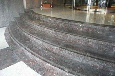 Scale in marmo, granito e pietra naturale