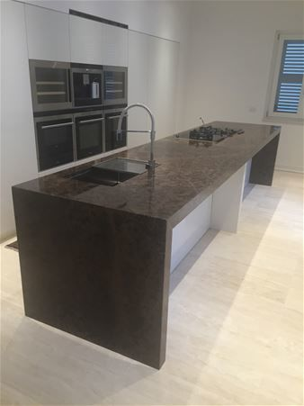 kitchen tops in marble, natural stone and granite